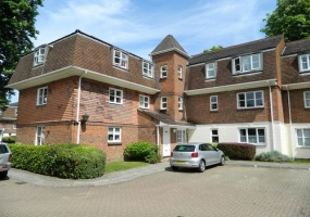 Greenacres, North Parade, Horsham, 2 Bedrooms Bedrooms, ,1 BathroomBathrooms,Flat,For Rent,Greenacres, North Parade,1,1014