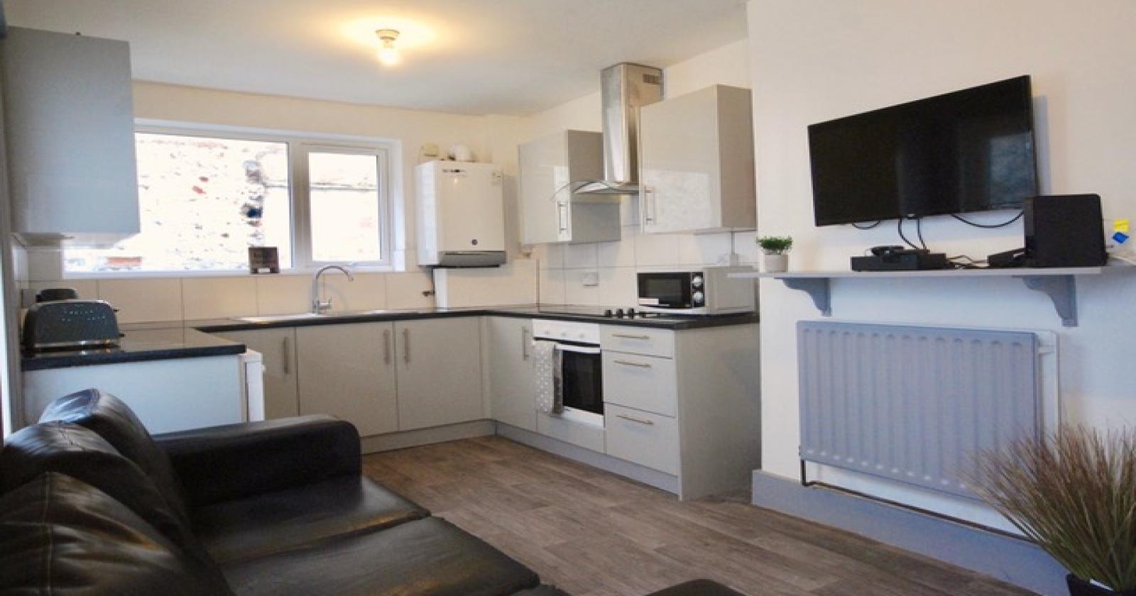 Queens Park Road, Brighton, BN2 0GJ, 6 Bedrooms Bedrooms, ,2 BathroomsBathrooms,House,For Rent,Queens Park Road,1017